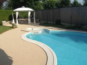 contour piscine creusée